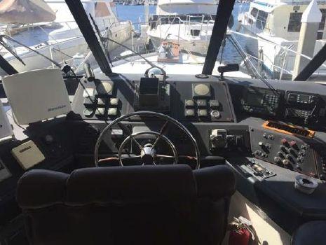 1992 Bayliner 4588 Pilothouse Pilothouse Helm