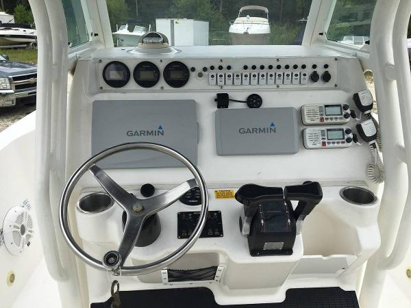 Check out this 2006 EVERGLADES BOATS 243 CC on Boattrader com