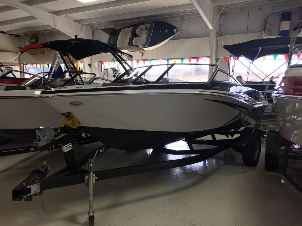2017 Glastron Gt180 17 Foot 2017 Glastron Gt Motor Boat