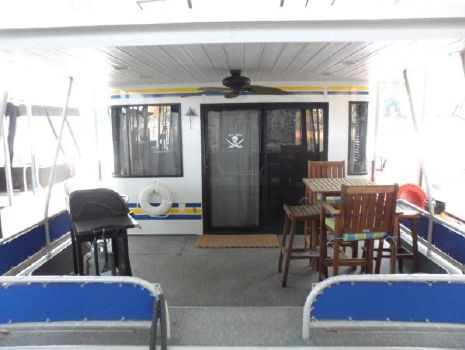 2000 Sunstar Houseboat