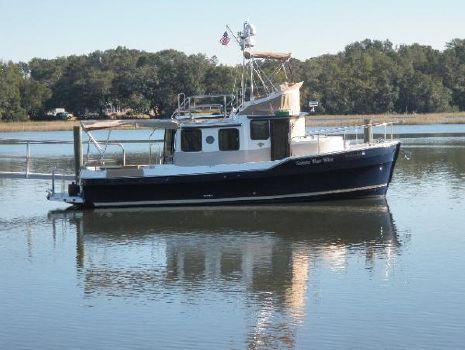 2015 Ranger Tugs R31 Starboard Profile Dockside