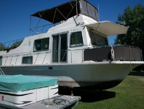 1981 Harbor Master Houseboat
