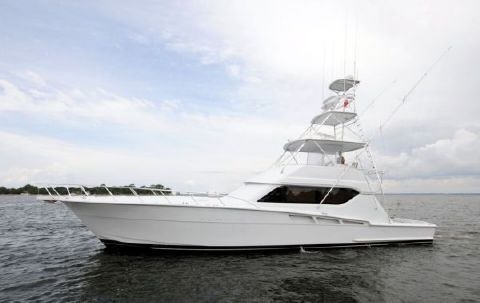 2001 Hatteras 60 Convertible Photo 1