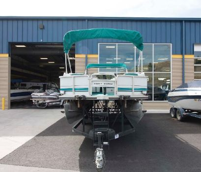 1993 Sun Tracker 240 Party Barge