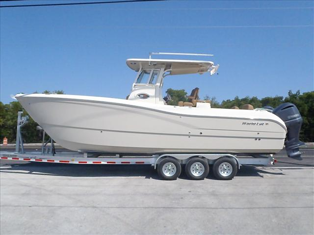2015 World Cat Center Console 295CC