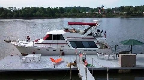 1991 Bayliner 4588 Pilothouse Main