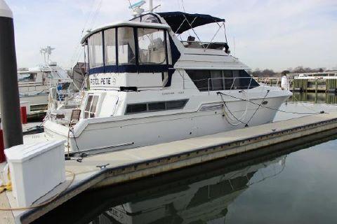 1996 Carver 430 Cockpit Motor Yacht