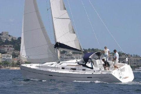 2010 Beneteau Oceanis 43 Manufacturer Provided Image: Beneteau Oceanis 43