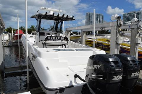 2013 DEEP IMPACT Contender Yellowfin  330 Open CC