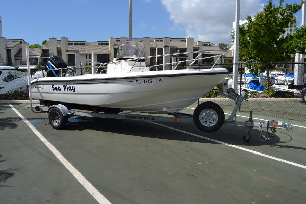 2000 Boston Whaler 18 Dauntless