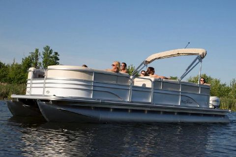 2017 SunChaser Classic Cruise 8522 Lounger