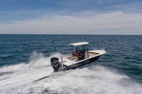 2016 Tidewater Boats 2500 Carolina Bay