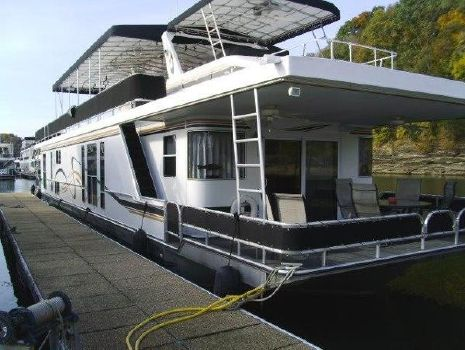 2004 Horizon 18 x 85 Houseboat
