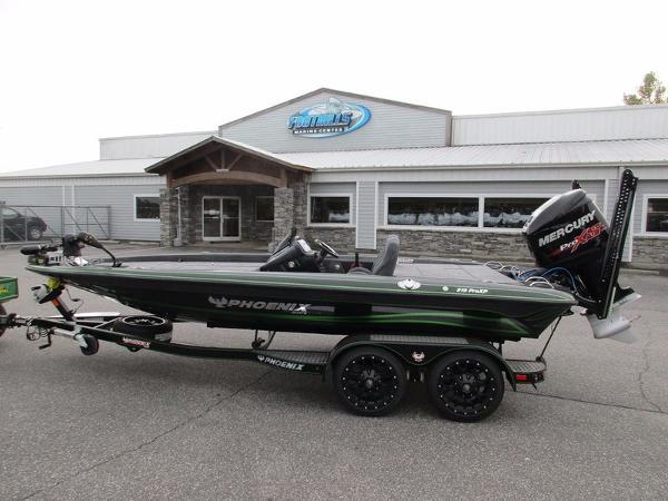 2017 Phoenix Bass Boats 919 ProXP