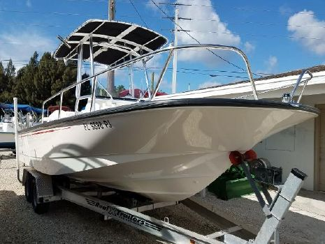 2012 BOSTON WHALER 210 Montauk