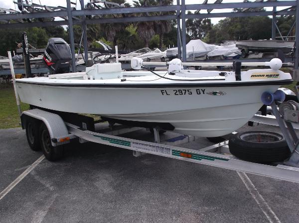1992 Maverick 18.5 Pro Angler Flats Boat
