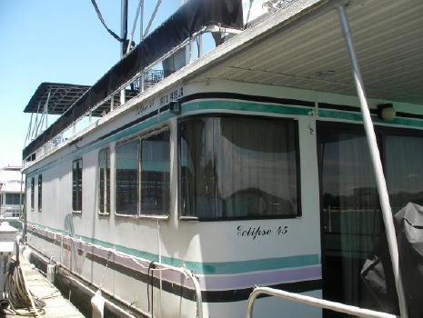 1999 Lakeview 16 x 65 House Boat