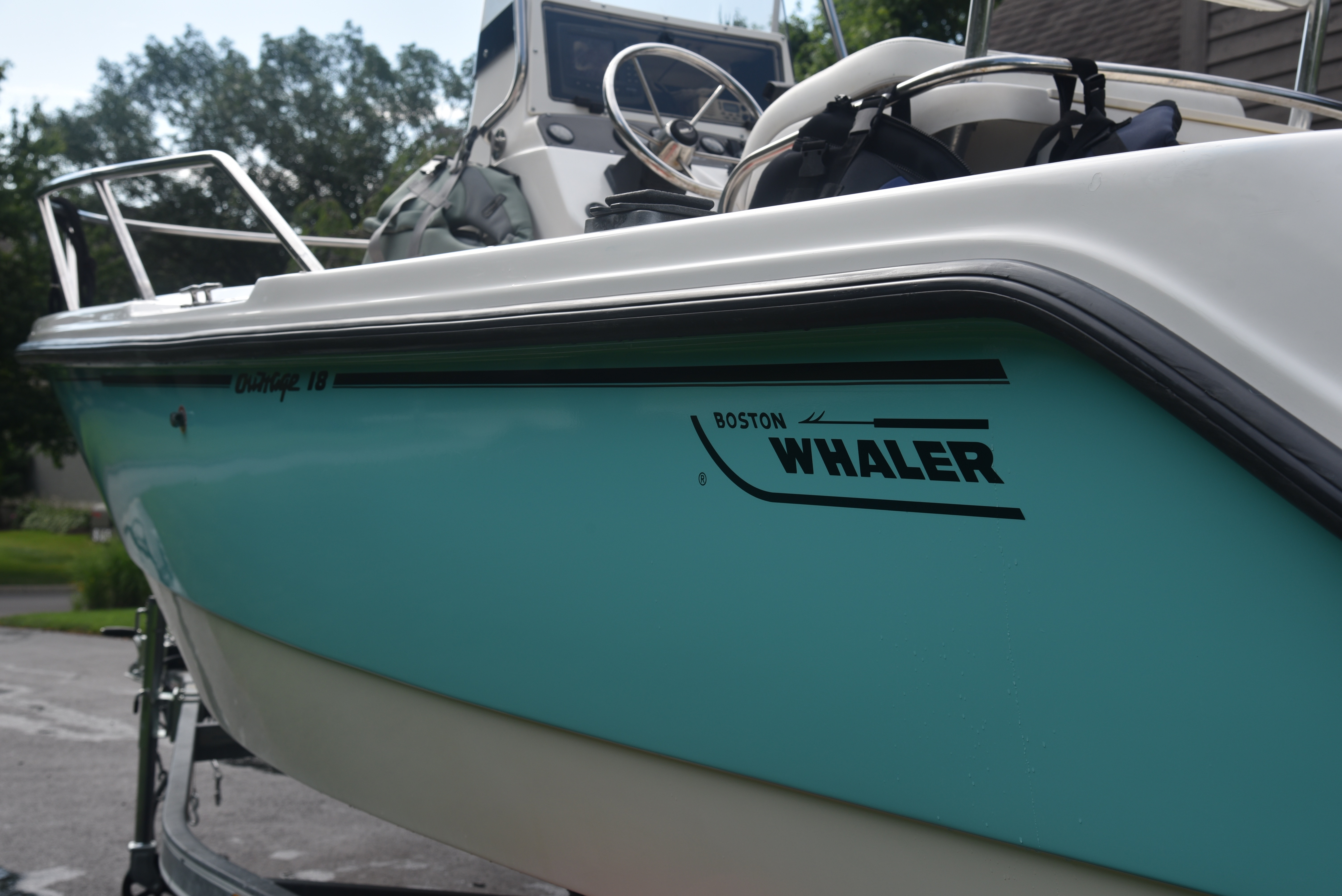 Check out this 2000 Boston Whaler Outrage 18 on Boattrader com