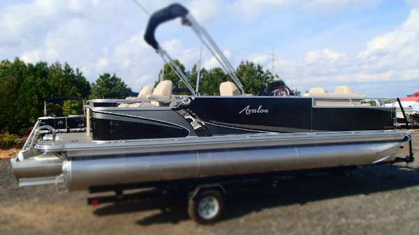 2016 Avalon 24 LS QF Quad-Fish Triple-Tube