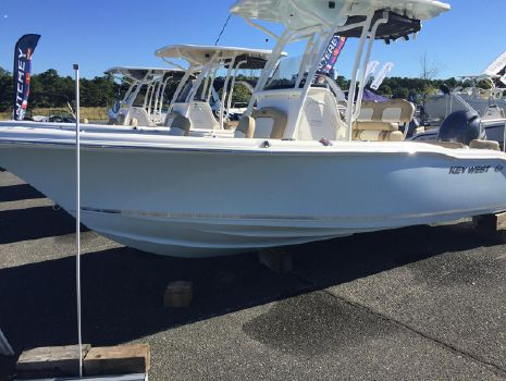 2017 Key West 219FS Center Console