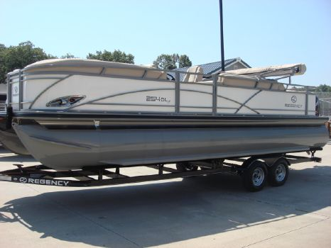 2016 Regency Boats 254 DL3