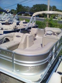 2016 Sylvan 8520 Cruise Salt Water Edition
