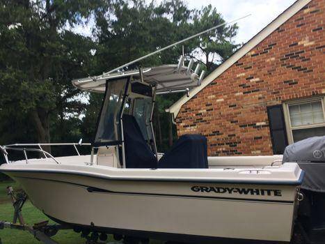 2000 Grady-White 209 Escape