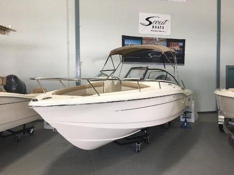 2015 Scout Boats 210 Dorado