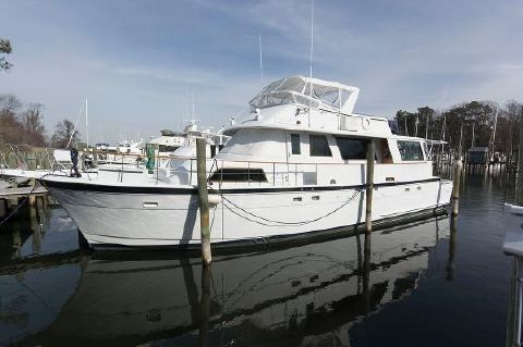 1982 Hatteras 61 Cockpit Motoryacht At The Dock