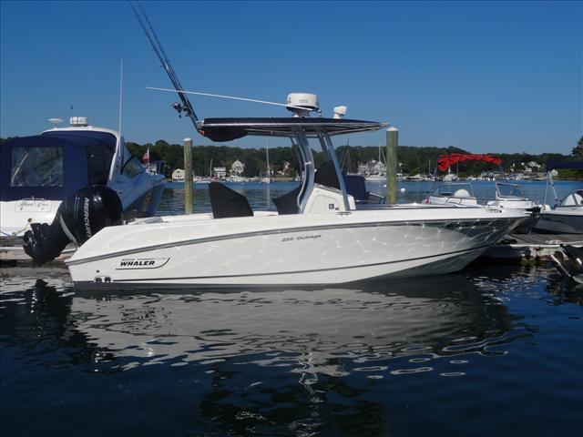 2013 Boston Whaler 220