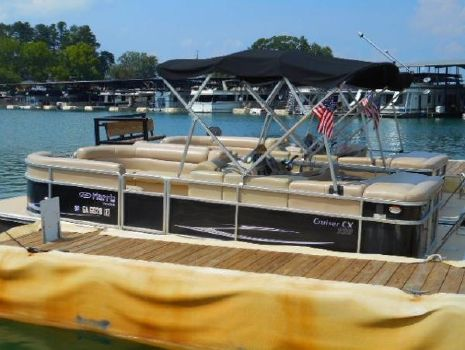 2011 HARRIS Cruiser 220 CX