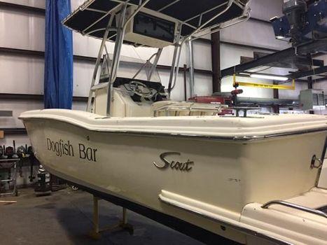 2004 Scout 235 Sportfish