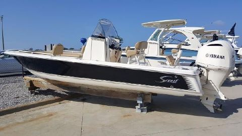 2016 Scout Boats 251 XS