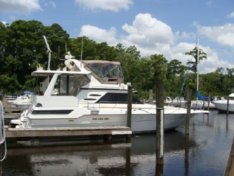 1989 Sea Ray 440 Aft Cabin Profile