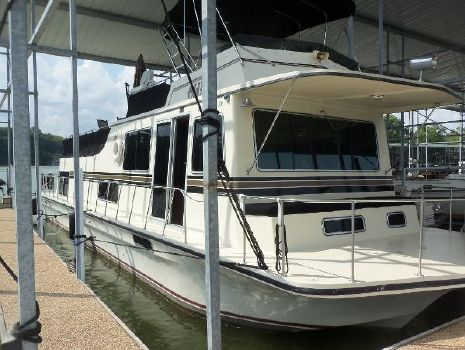 1989 Harbor Master 52 Starboard Bow