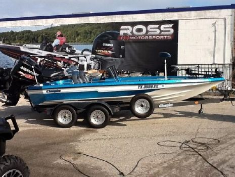 1992 Champion Boats 18