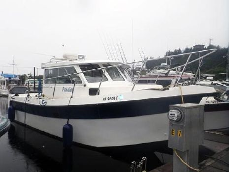 2000 Osprey Pilothouse 30 Long Cabin