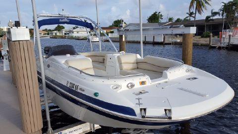 2006 Nautic Star 210 Sport Deck
