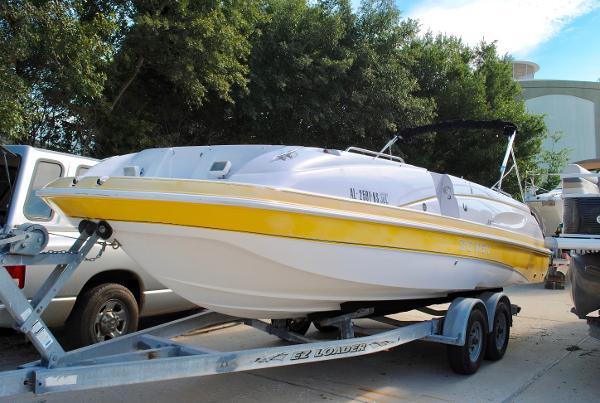 2001 Donzi Z-23 2001-donzi-z23-deck-boat-for-sale