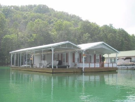 1994 Custom 24 x 37.5 Floating Cottage 900sqft