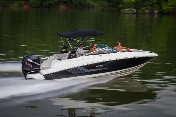 2014 Sea Ray Sun Deck 220