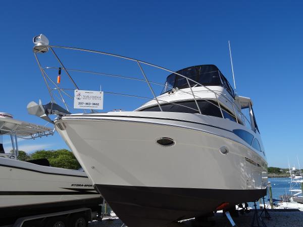 2006 Carver 366 Motor Yacht