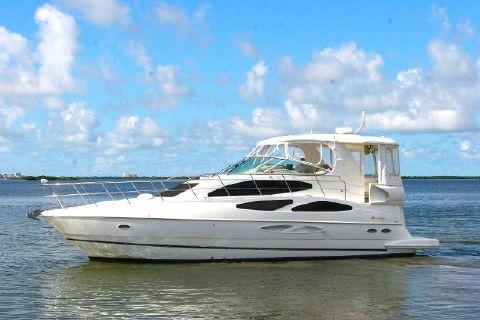 2005 Cruisers Yachts 455 Express Motor Yacht