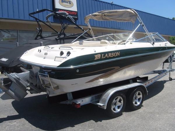 2000 larson 226 lxi 23 foot 2000 larson motor boat in for Larson motors used cars
