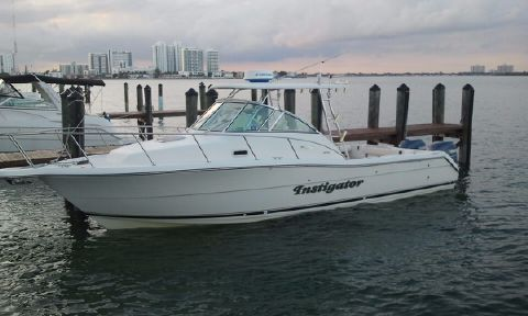 2002 Pursuit 3070 Express