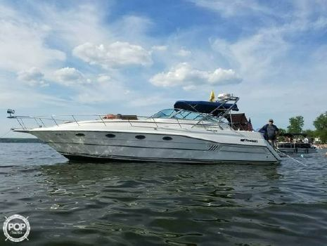 1989 Cruisers 3670 Esprit 1989 Cruisers 3670 Esprit for sale in Verona Beach, NY