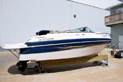 2005 Four Winns 205 Sundowner