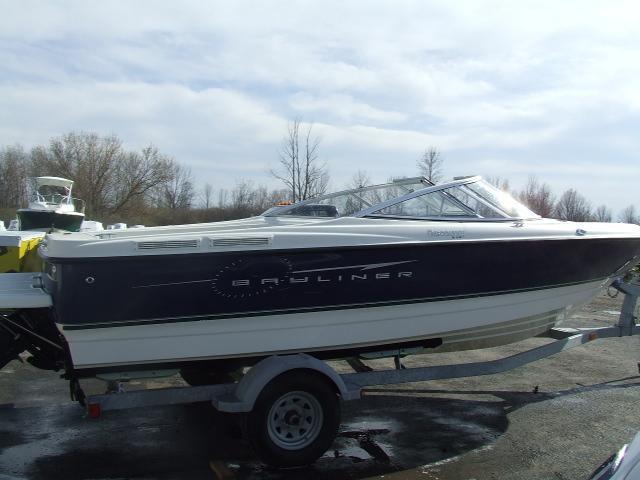 2008 Bayliner 215 BR