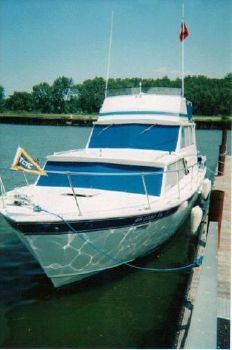 1975 Marinette Marinette Flybridge - 32 1975 Marinette 32 Sedan Flybridge for Sale By Great Lakes Boats & Brokerage 440-221-9001