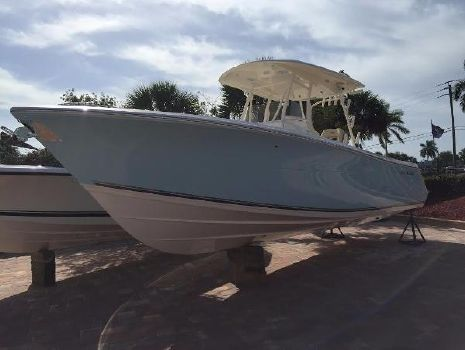 2016 Cobia Boats 296 Center Console